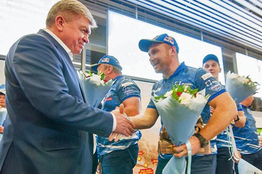 Эдуард Николаев рассказал, что всю гонку его не покидала мысль о том, что на гонку команду провожал президент Татарстана