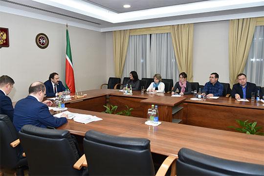 Сенсацию принесла минувшим вечером встреча премьер-министра Алексей Песошина с представителями пострадавших вкладчиков Татфондбанка, Интехбанка и клиентов «ТФБ-Финанс»
