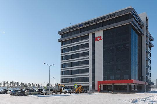 «В прошлом году нам удалось построить иввести вэксплуатацию новое здание технопарка площадью 13 тысяч квадратных метров на1200— 1250 рабочих мест»