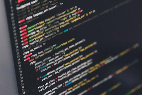«Защититься отхакеров можно инужно!Самый простой совет— выдернуть вилку компьютера изрозетки, если видите, что хакер начал атаку»
