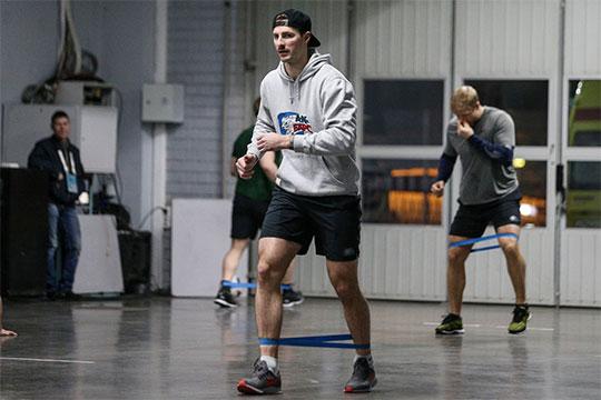 «Скучно без игр и без хоккея. Ходим, тренируемся, но это всё не то»