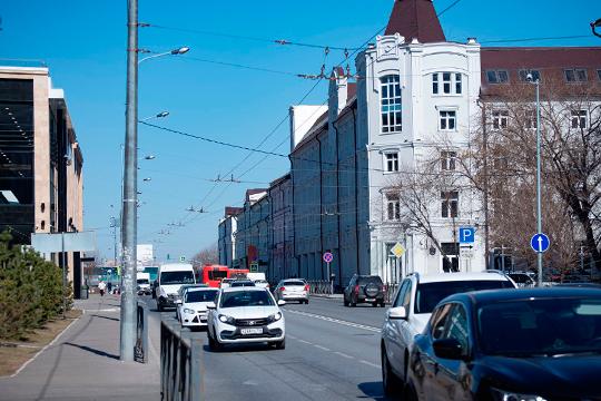 Драма «красного директора»: 80-летний экс-глава КМПО воюет из-за отеля наМосковской