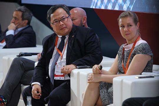 Бамбанг Броджонегрозаявил, что к2024 году Индонезия с16-го места войдет вдесятку крупнейших экономик мира, апопаритету покупательной способности ивовсе выйти нашестое место