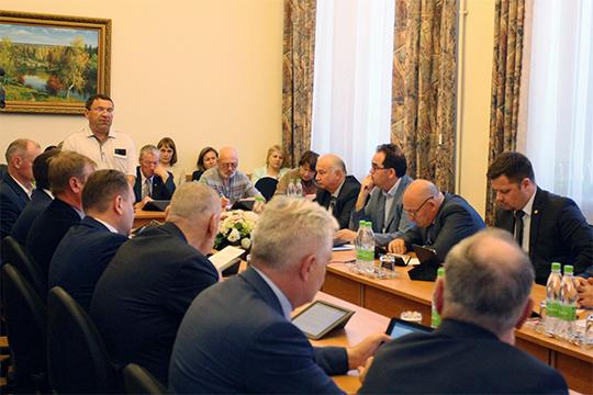 Закрывая обсуждение вопроса, Хадеев констатировал, что ситуация хоть и непривычная, но требует конкретного решения