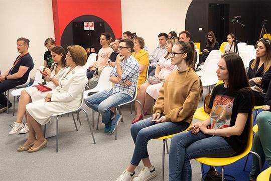 Навстречу, которая прошлавпространстве коллективной работы «Точка кипения» IT-парка, пришло около 30 человек