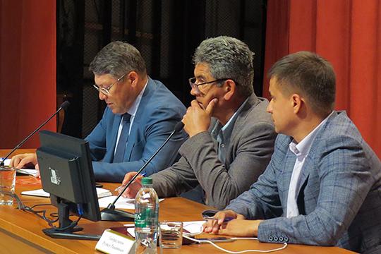 Замглавы Ильяс Ахметзянов (слева) рассказал, что общий бюджет проекта составляет 179млн рублей