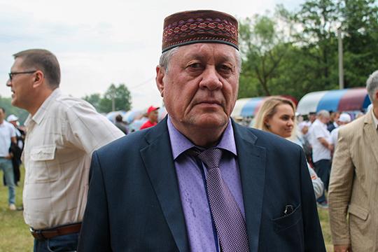 Рашит Кадямов: «Возмущен тем, что татарский язык уже даже в чисто татарских поселениях не преподают. Это неправильно»