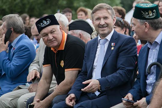 Наш рейтинг не мог обойтись без Ильдара Гильмутдинова (слева), который выступает как едва ли не главный лоббист интересов национальных меньшинств России