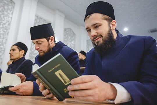 Ректор БИА остудентах: «Татарский язык они должны знать ипонимать»