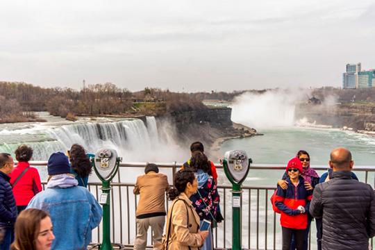 «Красиво отметить День республики»: Ниагарский водопад даст старт мировому флешмобу?