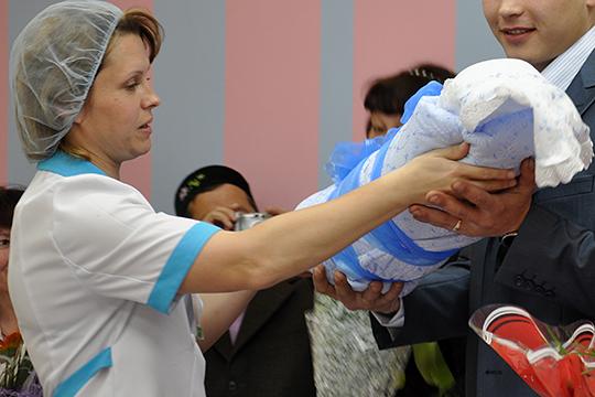 «С начала года зарегистрировано рождение 3862 детей. Причем этом году девочек родилось больше, чем мальчиков»