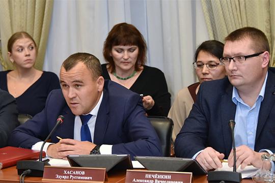 Эдуард Хасанов (слева): «400-500 тысяч туристов — это же наши амбиции, мы к этой планке будем стремиться. И возьмем эту высоту»
