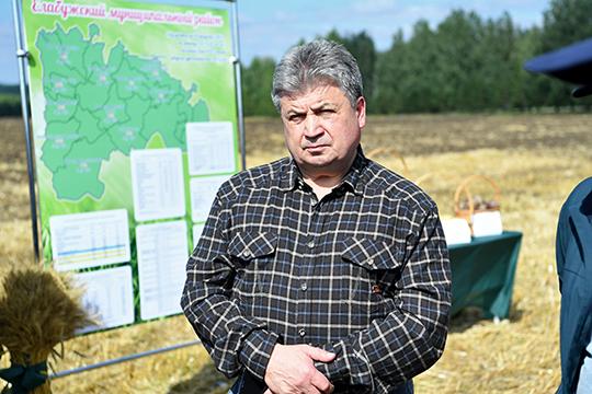 В Госсовет уходит 9 лет правивший Елабугой Геннадий Емельянов