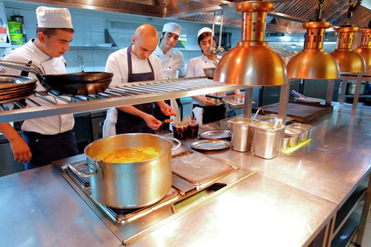 Жить покниге Орешкина: казанские рестораторы первыми опробуют «гильотину»