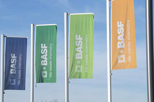 Немецкий концерн BASF думает, сохранять ли СП с «Нижнекамскнефтехимом», производящее полиуретановую пену