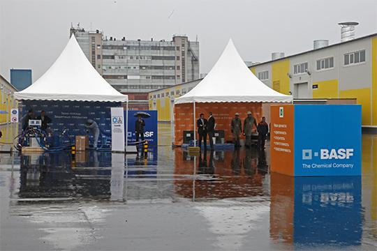 У BASF в Татарстане есть еще одно производство — в казанском «Химграде». Оно относится к московскому ООО «БАСФ Строительные системы», стопроцентной «дочке» немецкого концерна