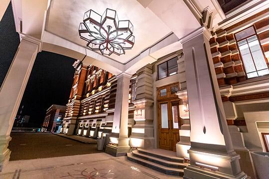 Самым ярким событием за время пребывания предыдущего генконсула в Казани стало открытие нового пятизвездочного отеля Kazan Palace в здании бывшей Шамовской больницы