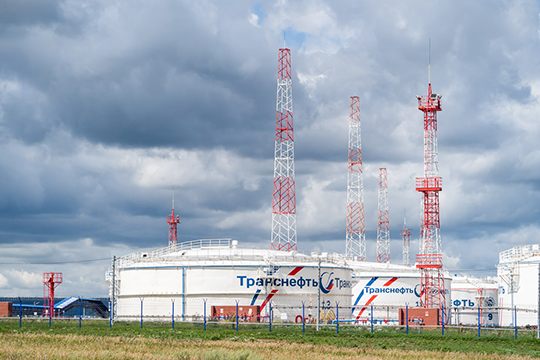 Отдельно шеф Татнефти остановился наимпортозамещении вэнергетике. Онрассказал, как наНижнекамской ТЭЦ Татнефти были использованы отечественные ПГУ