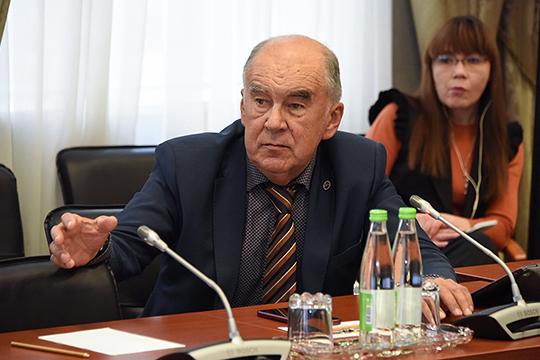 Шамиль Агеев спросил Абдулганиева, как он намерен отстаивать интересы малого и среднего бизнеса перед «горячими головами» из российского правительства, которые хотят увеличить налоги и сократить льготы