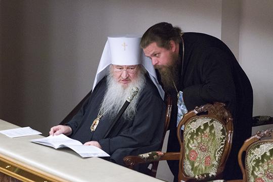 Пятое место — у протоиерея Алексия Чубакова (справа)