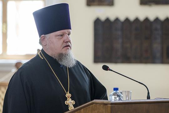 Владимира Самойленко называют правой рукой митрополита, его верным помощником и спутником в прямом смысле этого слова