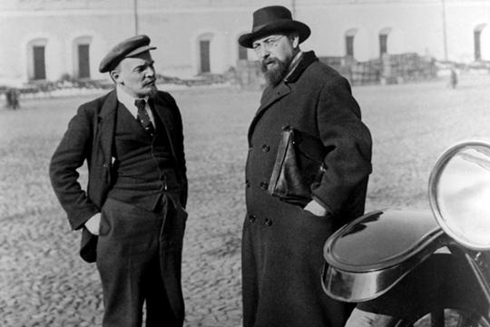 «Владимир Бонч-Бруевич был ближайшим помощником Ленина на протяжении десятилетий, именно он, по сути, является основателем ЧК, он был руководителем администрации Ленина»