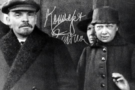 «Надежда Крупская не была тумбочкой, которая стояла рядом с ленинской кроватью — ну или была, но время от времени удирала по ночам и разгуливала сама по себе»