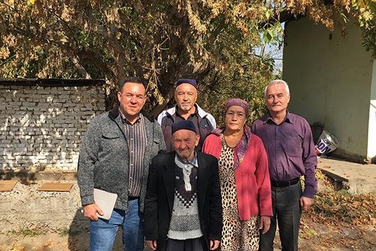 С жителями аула Ногай-Курган