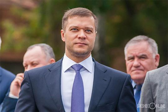 По нашим данным, президент «Нефтехимика» Тимур Шигабутдинов следит за ситуацией и дал указание менеджменту, чтобы трансфер Макарова провели взвешенно
