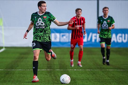 Настоящий уникум — так говорят в «Нефтехимике» о 21-летнем полузащитнике Денисе Макарове, который в 17 матчах наколотил 11 голов