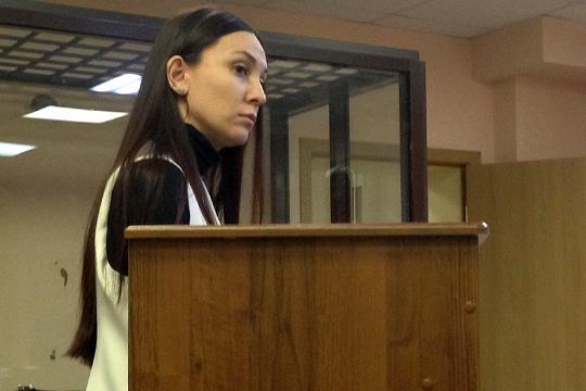 Последней суд допросил Резеду Точинову — в 2015 году она работала кредитным специалистом в отделе юрлиц Татфондбанка. Причем вела она всего 5 фирм, и все они входили в группу компаний DOMO