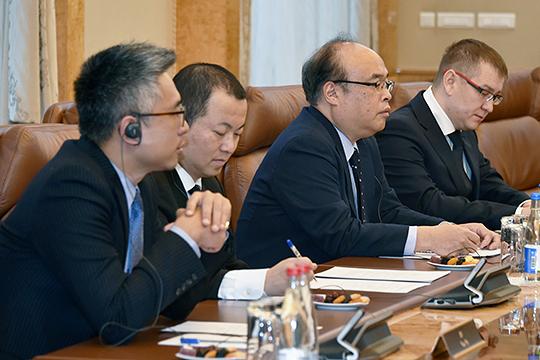 Рустам Минниханов встретился с представителями японской компании JFR Co. Ltd, которая занимается биотехнологиями