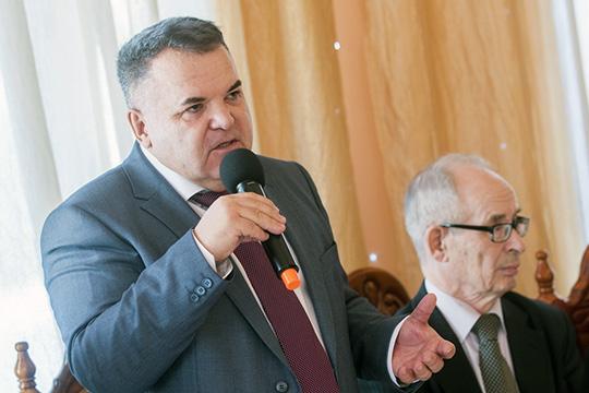 Рустэм Ямалеев (слева)