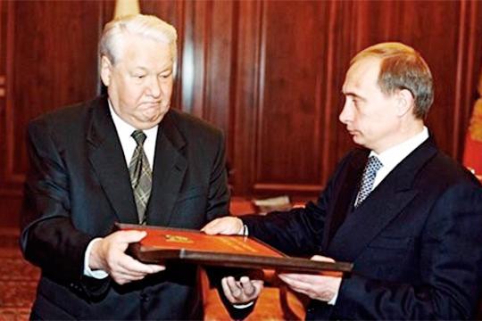 «Что касается преемничества. Ее начал монтировать Ельцин, а закончил Путин, и теперь он сам не знает, как в нее встроить механизм преемственности власти»