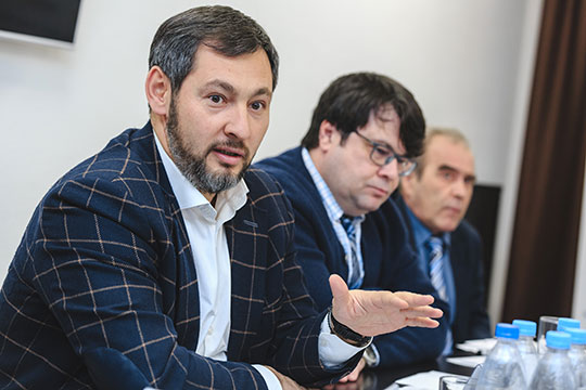 Олег Коробченко: «Хозяин должен спускаться иногда, проводить в 7 утра совещание, всех собирать, всех подталкивать, чтобы все работали»
