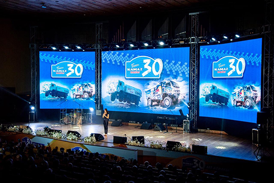 «Предложения, связанные с работой, поступали. Но в Москве огромная конкуренция на нашем рынке. Да и мне комфортно жить в Набережных Челнах»