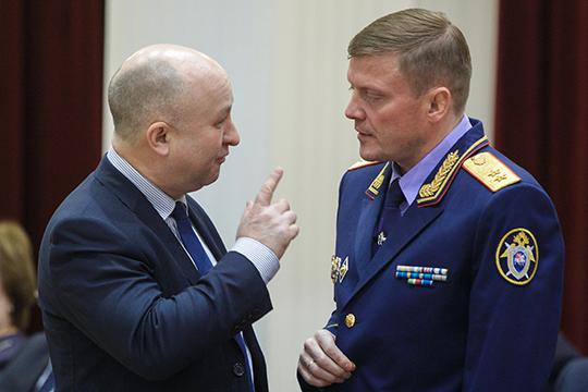 Фактически, Халиев оставался последним членом команы Павла Николаева (справа)