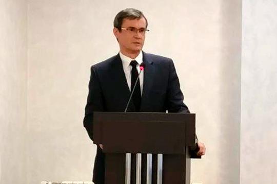 Кресло гендиректора «Аммония» вместо Тимура Алиева занял избранный на внеочередном собрании акционеров 48-летний Дмитрий Макаров