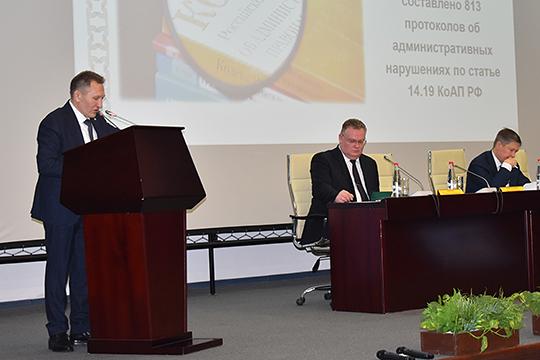 На коллегии Госалкогольинспекции РТ руководитель ведомства Жаудат Ахметханов рассказал, что в РТ в 2019 году произведено 9,9 млн дал алкоголя