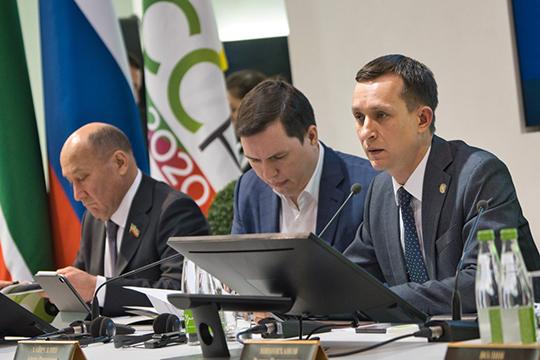 Из бюджета на информатизацию и связь в 2019 году, как рассказал Хайруллин, направлено 1,6 млрд рублей