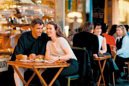 Казанские рестораторы с некоторым оптимизмом смотрят на День влюбленных, потому что он может хоть как-то поддержать финансовое состояние общепита и мотивировать персонал