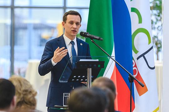 Айрат Хайруллин: «Всего в Татарстане 236 республиканских и 79 муниципальных услуг. И жителям республики неважно, какая это услуга — федеральная, республиканская или муниципальная. Все должны быть одинаково удобными для него»