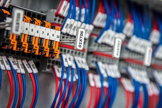 «Работа «автоматчиков» не столь явная: ты подключаешь какие-то непонятные провода, настраиваешь сигналы...»