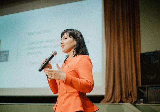 Анастасия Исаевасделала упор на необходимости заинтересовать детей театром не через принуждение, а созданиемкачественного контента, не забывая и о просветительской функции