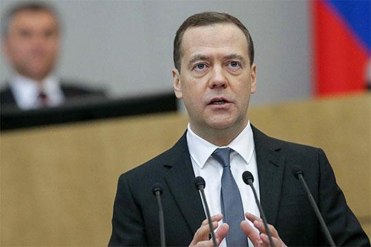 «Когда вы только говорите: «Медведев», в этот момент ваш рейтинг сразу падает в два раза»