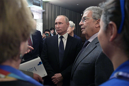 «Подавляющее большинство граждан России вряд ли хотят революционных перемен. Мы уже сыты этими революциями в XX веке и уже наелись этими революционными изменениями даже в новейшей истории»