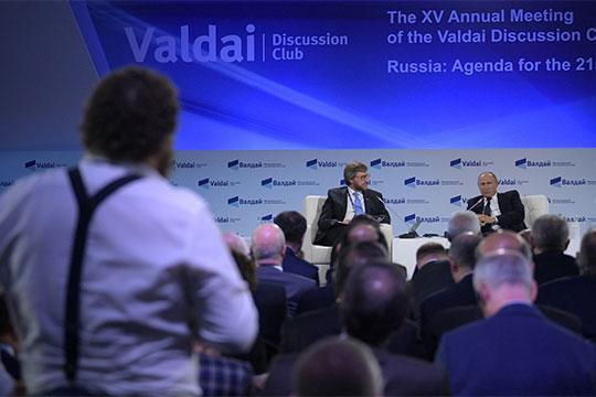 «Вы знаете, в чем заключается феномен России? У нас люди умные. Вот не нравится, но нормальный человек понимает, что вынуждено государство это делать»