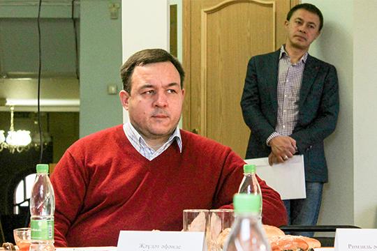 Азат Ахунов:«Можно сказать, что православных, переходящих вислам вТатарстане сейчас больше, чем татар, которые переходят вхристианство. Нонельзя сказать, что это уже сложившаяся тенденция, нельзя говорить омассовом переходе вислам»