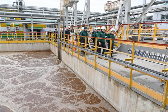 Турецкий «Гемонт», возводивший объекты для производителя топлива «ТАИФ-НК» и занимавший ранее второе место, сократил выручку с 12 до 4,5 млрд (убыток остался на уровне 300 млн) и теперь оказался на 10-й позиции