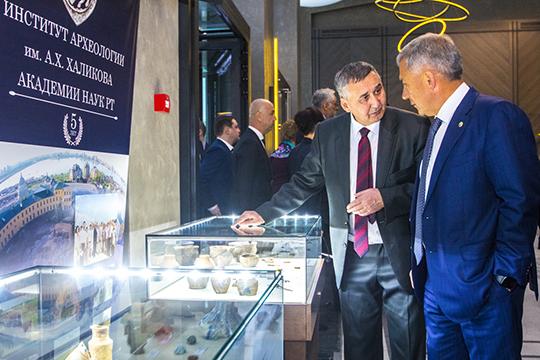 Смомента запуска при комитете был образован общественный совет под руководством вице-президента ИКОМОСРафаэля Валеева (слева)
